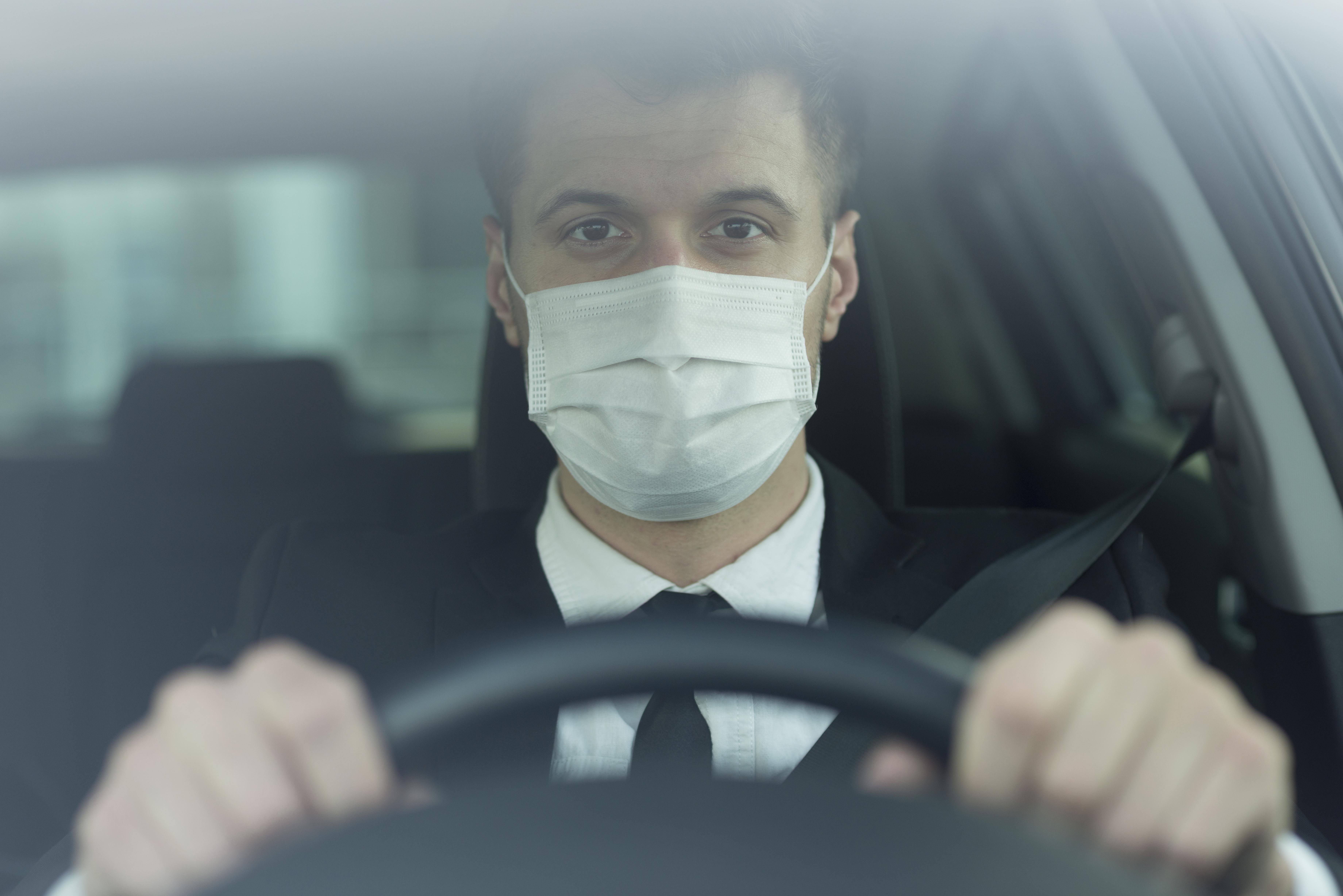 80 Euro Strafe wenn Sie in Spanien Ihre Maske im Auto an den Rückspiegel hängen