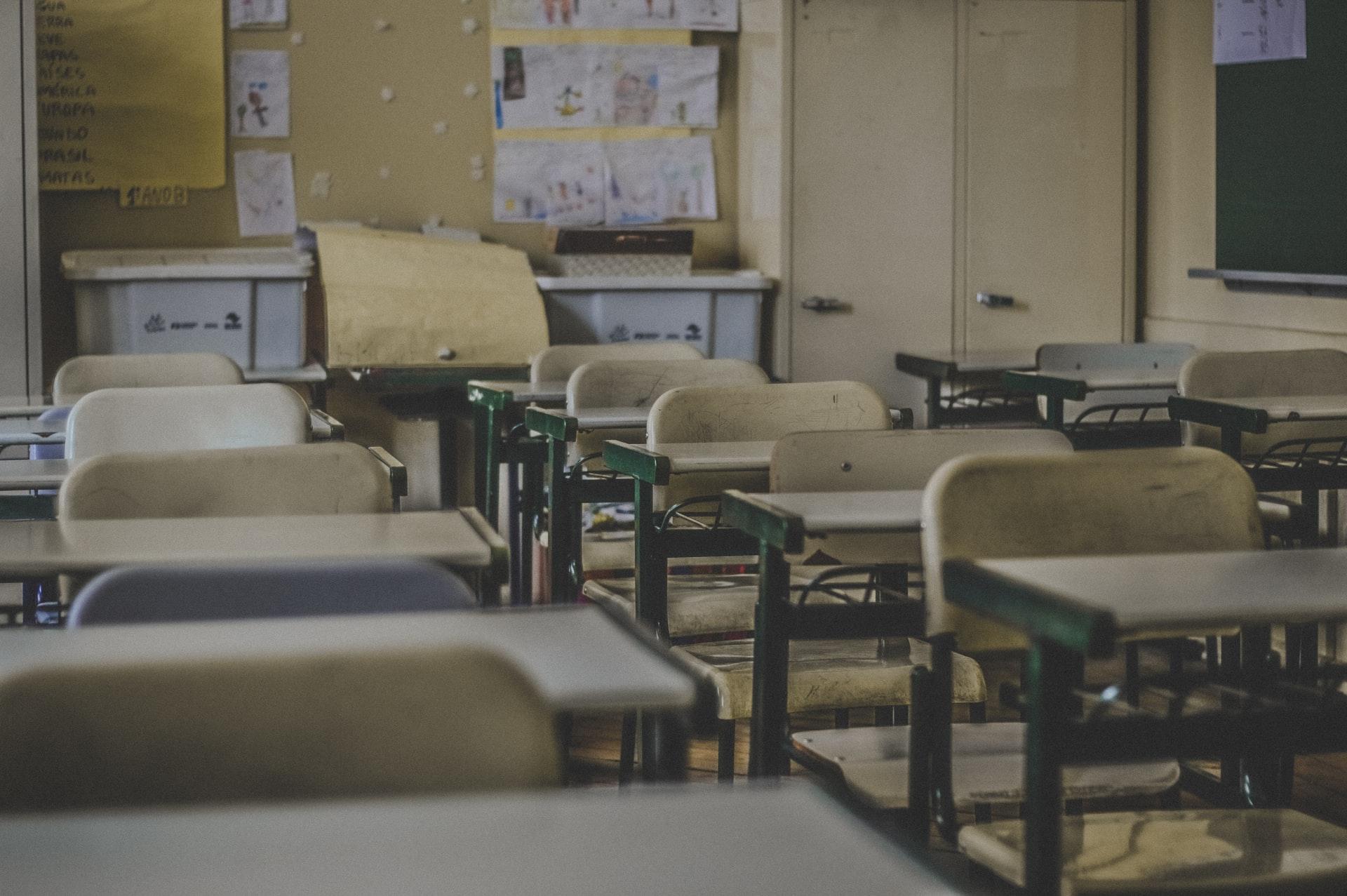 90.000 Schüler in Spanien in vorbeugender Quarantäne heißt für Mütter: Keine Hilfe, Keine Flexibilität, Keine Telearbeit, Urlaub ohne Bezahlung