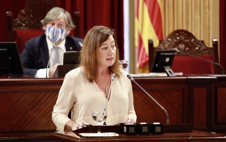 Ausgangssperren die von Politkern verhängt werden sind nicht für diese gültig? Präsidentin der Balearen Armengol um 2 Uhr morgens in einer Cocktailbar erwischt