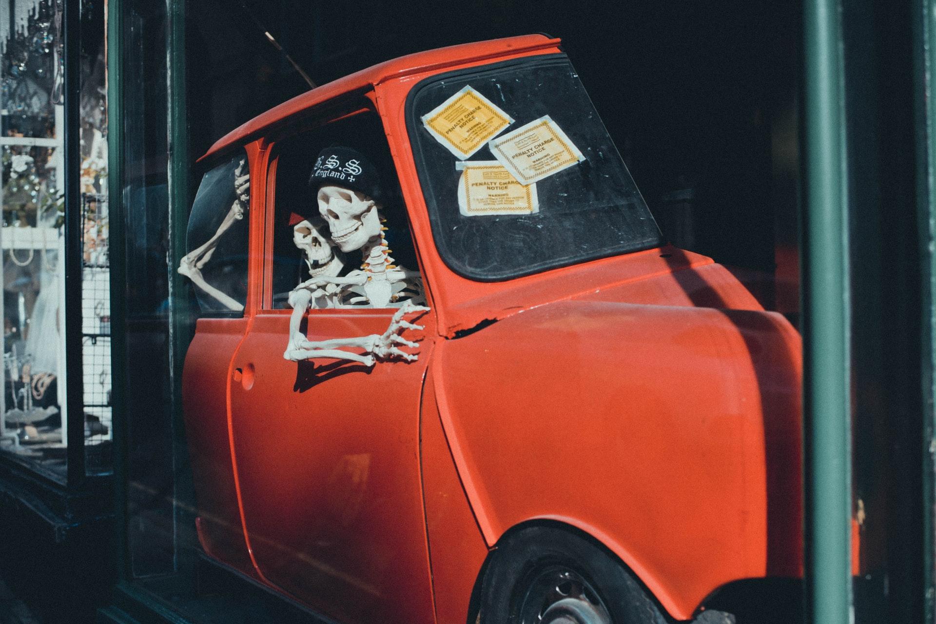 Schweizer mit 2 Wochen alter Leiche auf dem Beifahrersitz auf Spanien Reise