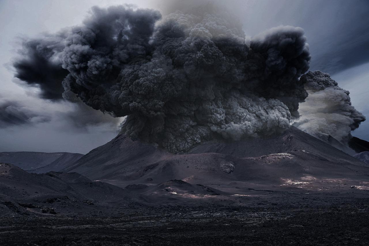 Vulkanasche des in San Vicente ausbrechenden Vulkans La Soufrière erreicht am Mittwoch Spanien
