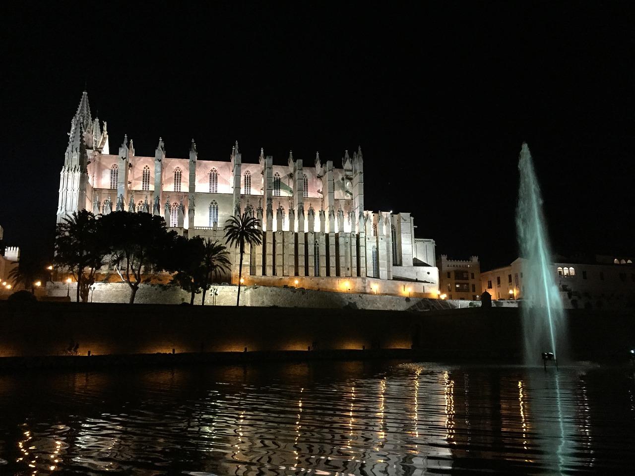 Rathaus von Palma investiert 2,2 Millionen Euro in die Renovierung der Beleuchtung in der Kathedrale
